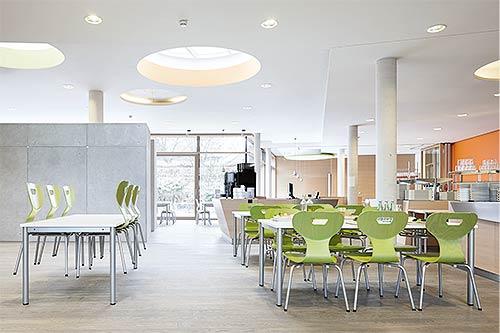 Speisesaal grüne Stühle